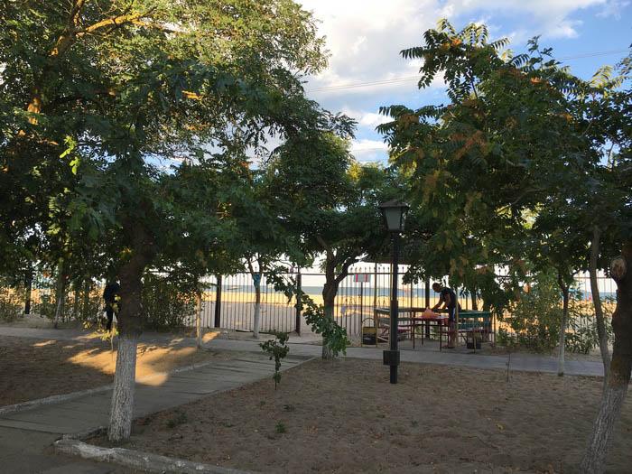 Отдых в Затоке База отдыха «Гольфстрим» территория и номера