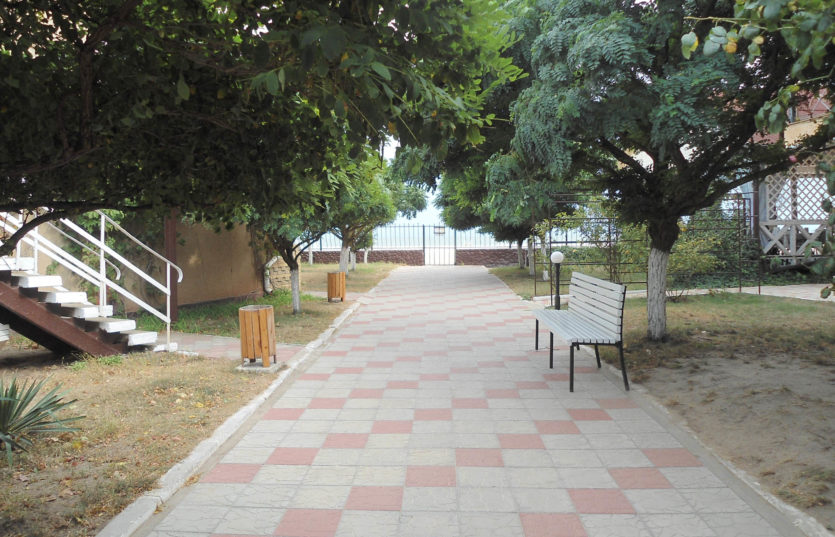 Отдых в Затоке База отдыха «Гармония» территория и номера