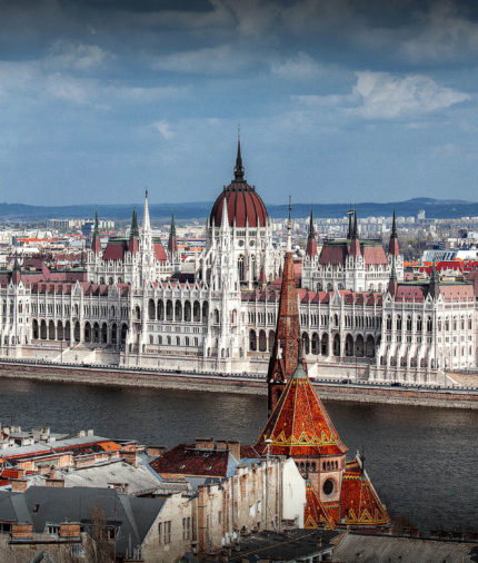 Автобусный тур в Будапешт (Венгрия) Горы, пещеры и термы по дороге в Будапешт!