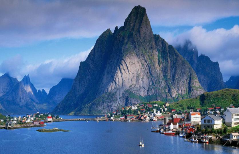 Тур по Скандинавии из Минска Жемчужины Норвегии: 3 фьорда + ледник