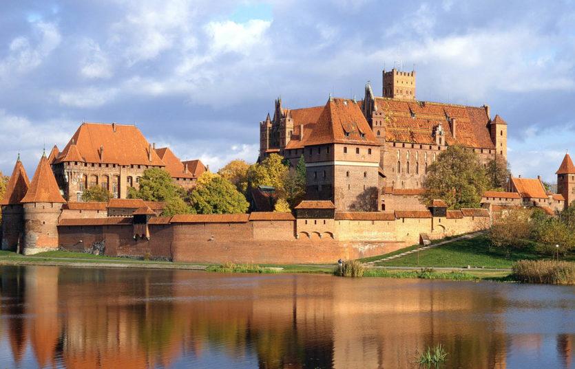 Автобусный тур в Польшу с отдыхом на море Гданьск — Мальборк с отдыхом на Балтике (ЛЕБА)