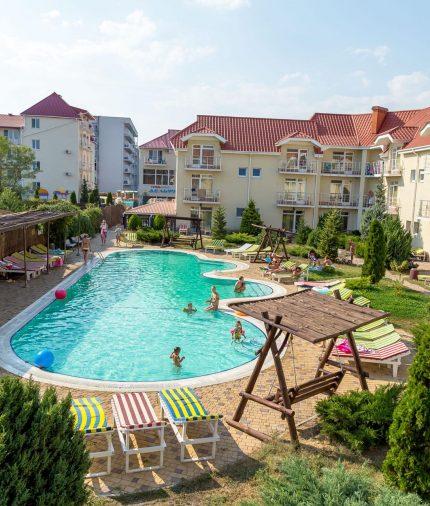 В Украину Коблево на море Отдых в отеле Дельфин